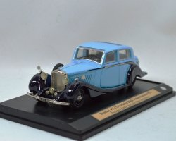 Bentley 4 1/4 I Overdrive High Vision Saloon 1939 (комиссия)